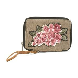 Sequin Flower Wristlet 🌸 NWT